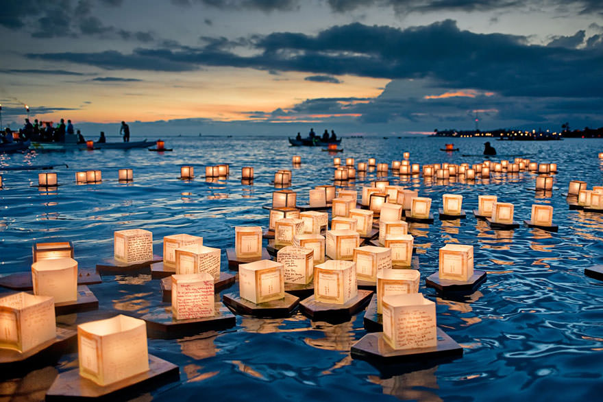 Floating Lanterns Festival