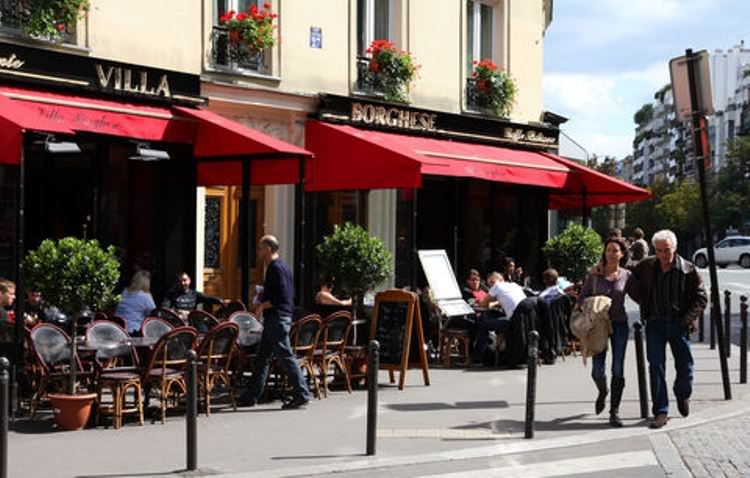 Grab quick bites at some of Paris' many quaint corner cafes or boulangeries.