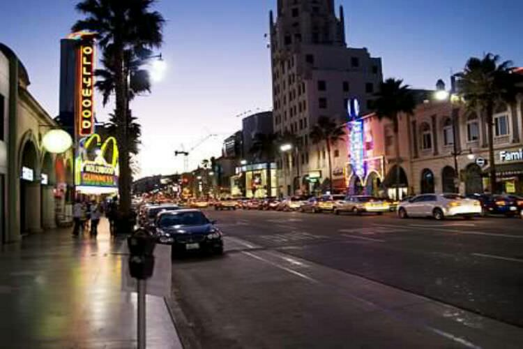 Hollywood_boulevard 2.jpg
