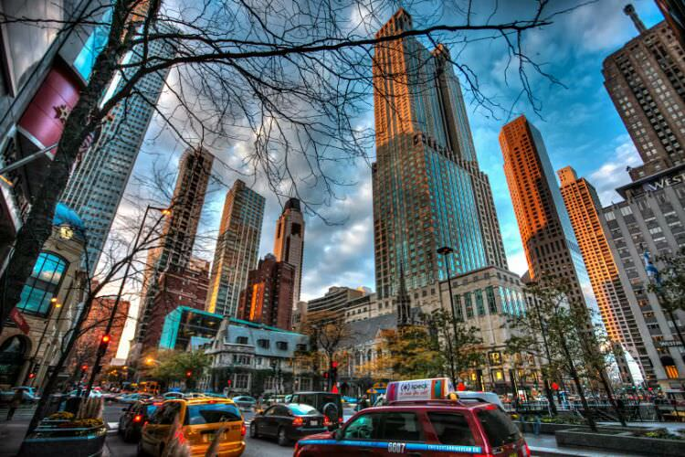 Magnificent_Mile_chicago.jpg