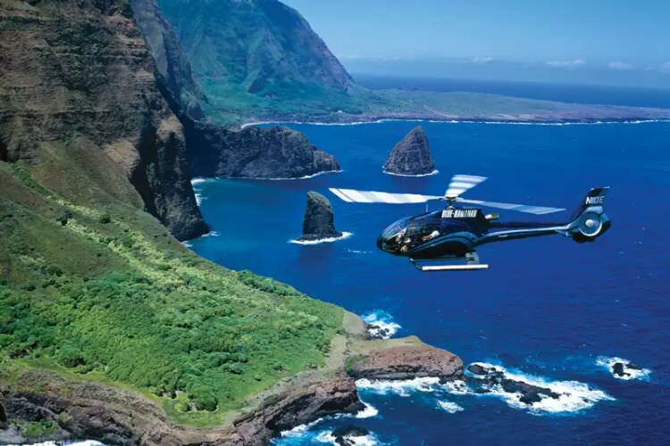 Helicopter_tour_hawaii.jpg