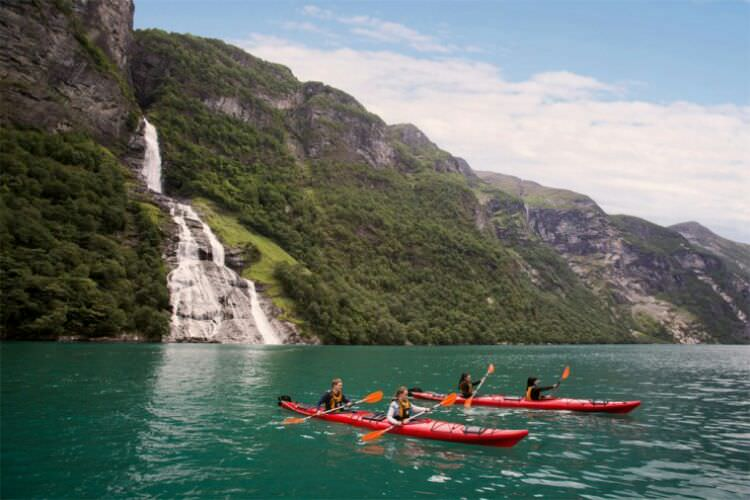 wpid-kayaking_norway2.jpg