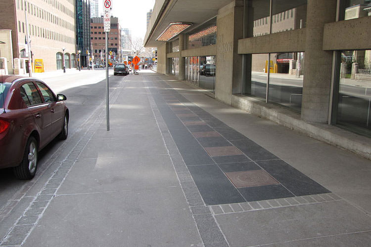 1024px-Walk_of_Fame_along_Simcoe_Street