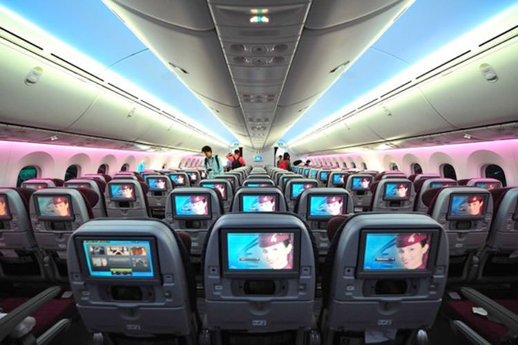 10 Best Airlines for In-Flight Entertainment