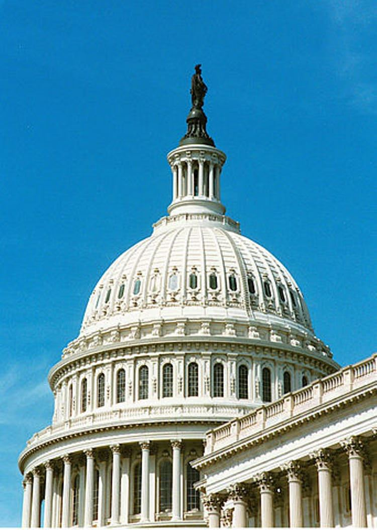 342px-United_States_Capitol_dome_daylight