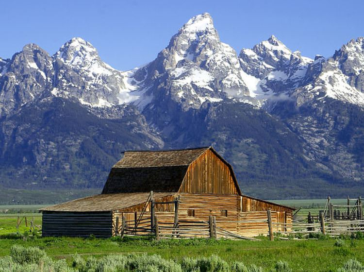 640px-Barns_grand_tetons