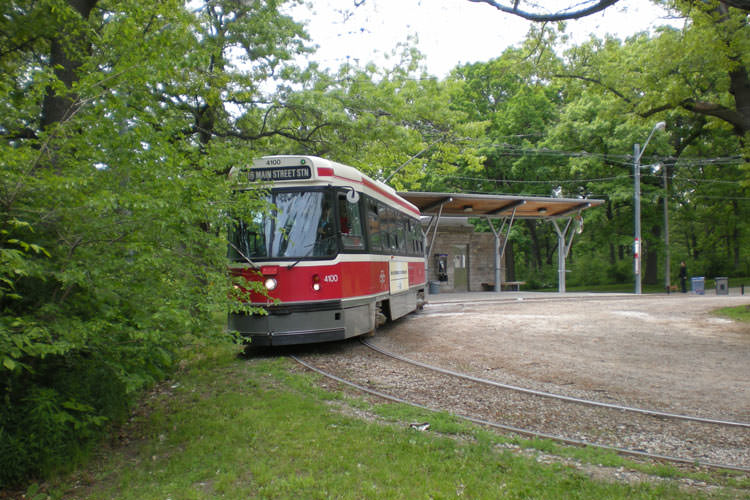 CLRV_-4100_departs_High_Park_Loop1