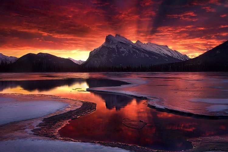 the-sky-is-on-fire-banff-national-park-in-canada