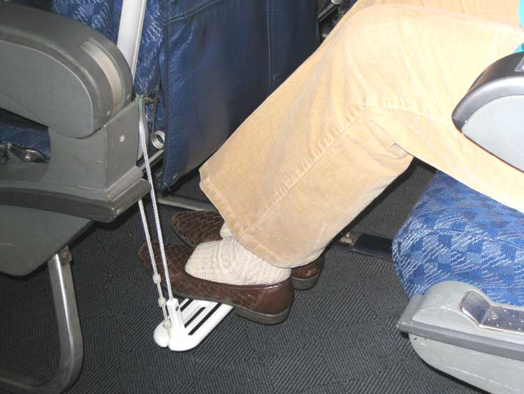 How to Avoid Swollen Feet on an Airplane