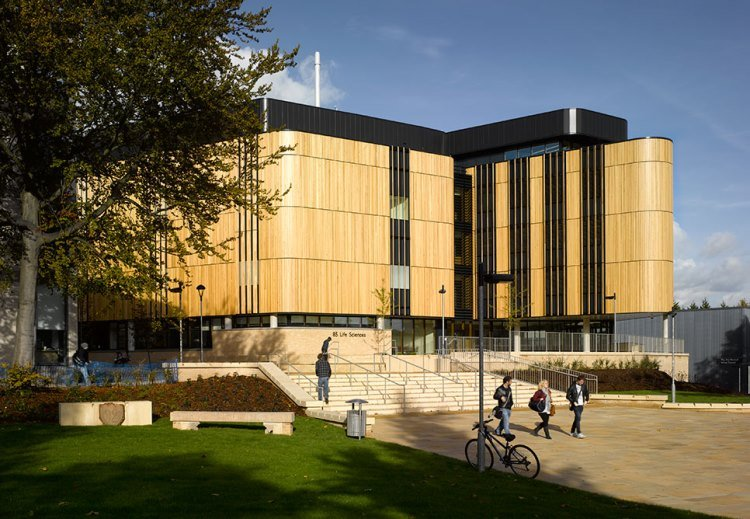 SOUTHAMPTON UNIVERSITY SCHOOL OF LIFE SCIENCES