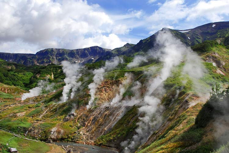 Valley-Of-Geysers-Russia85