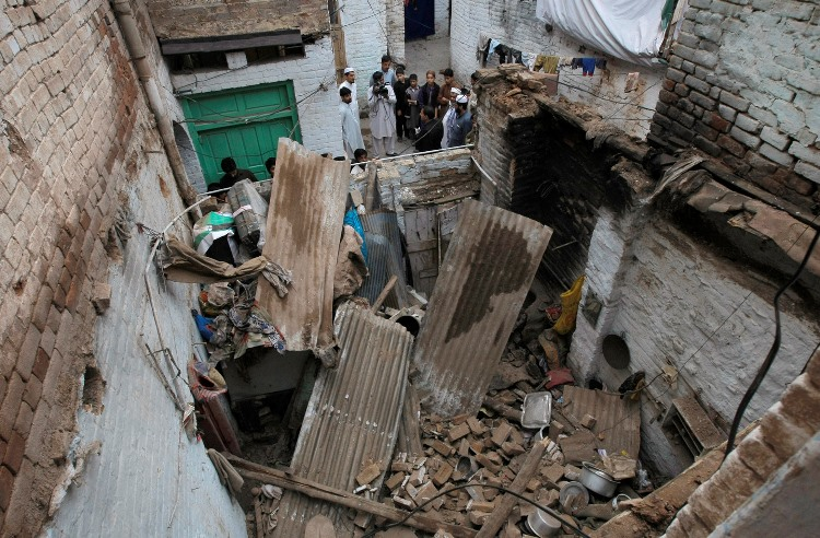 pakistan-earthquake_gilm-2