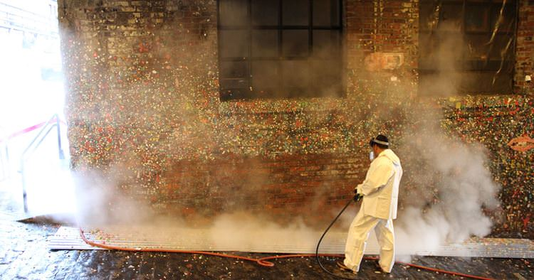 635833006424983690-Gum-Wall-Cleaning-028