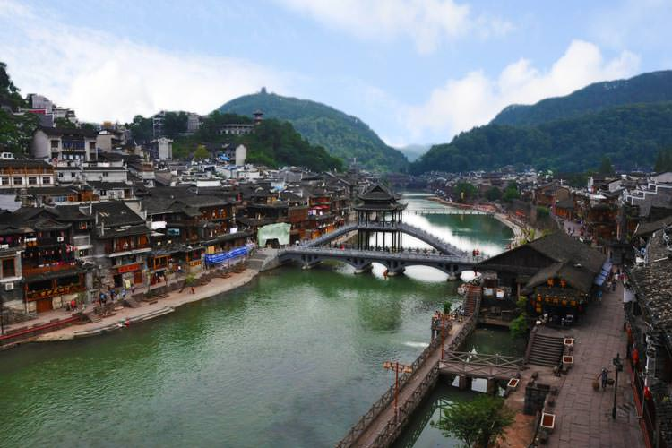 Fenghuang--(Phoenix-Ancient-Town)-Hunan--Province--China-3