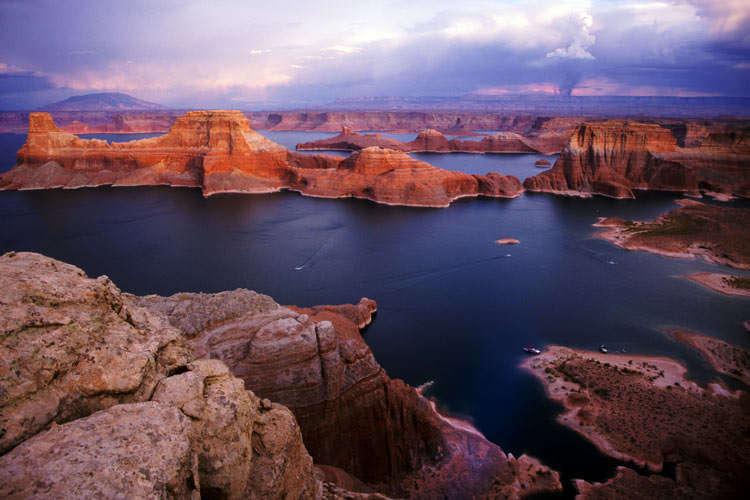 Lake-Powell-Glen-Canyon-National-Recreation-Area