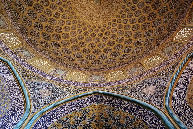 Sheikh-Lotf-Allah_mosque_wall_and_ceiling_2