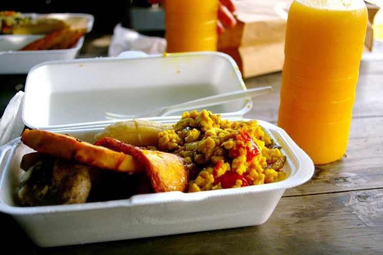 jamaica-ackee-a-type-of-fruit-that-looks-like-scrambled-eggs-when-its-cooked-is-a-favorite-jamaican-breakfast-food-it-can-be-accompanied-by-fried-plantains-salted-fish-and-fresh-fruit