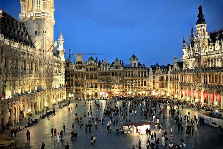 grand-place-brussels-4.jpg