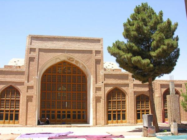 <strong>آرامگاه</strong> <strong>جامی</strong>