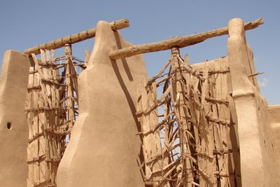 آسبادهای نشتیفان؛ بنایی که باد را به خدمت میگیرد