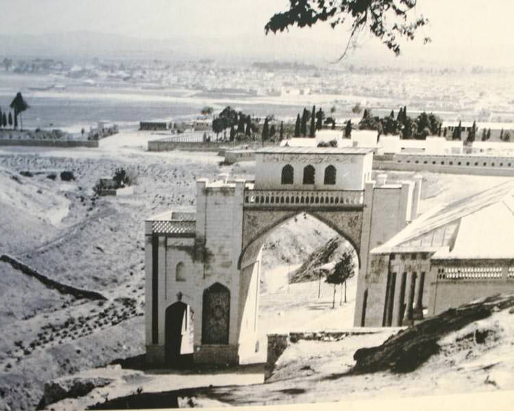 old-quran-gate