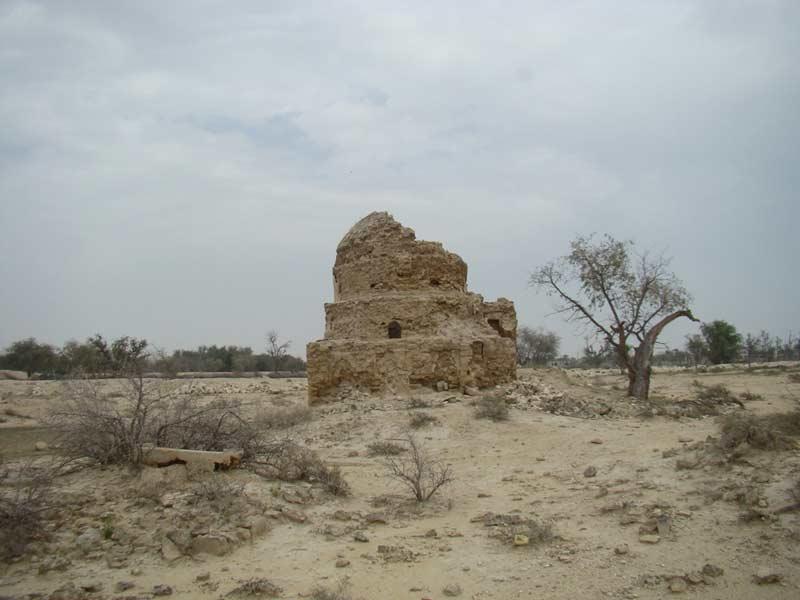 مقبره تم سنیتی قشم