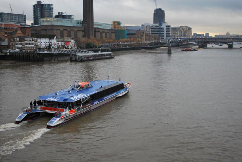 اتوبوس رودخانه تیمز لندن
