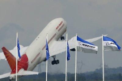 بحران در فرودگاه بمبئی به دلیل تاخیر ۷ ساعته در پرواز