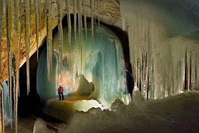 بزرگ ترین غار یخی جهان، آیس ریزن ولت در اتریش
