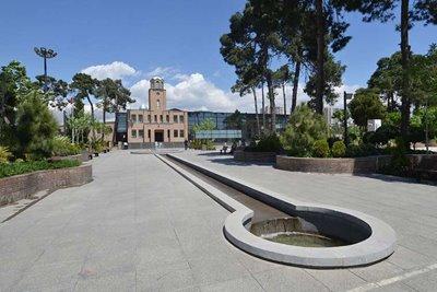 باغ موزه قصر ؛ قصری که تبدیل به زندان شد