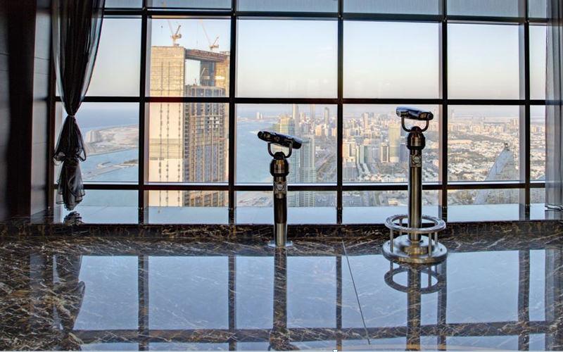 سکوی بازدید در هتل برجهای اتحاد (Observation Deck at 300)