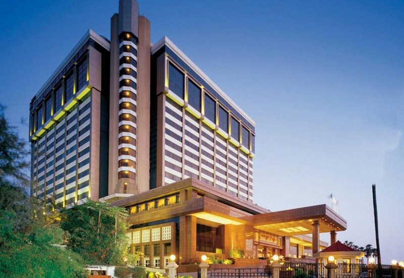 هتل تاج لندز اند (Taj Lands End)