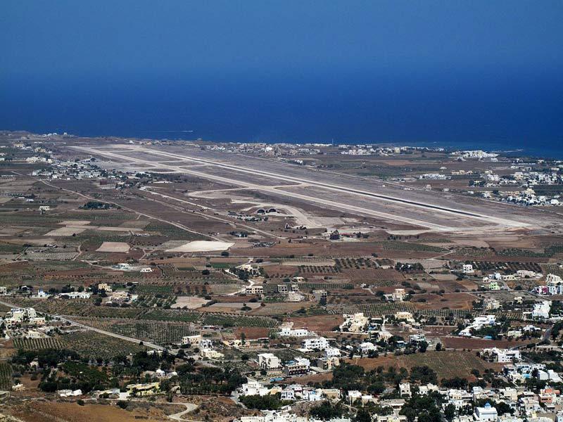 فرودگاه سانتورینی