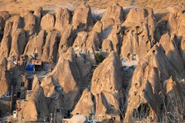 افزایش ۱۷ درصدی ورود گردشگران خارجی به آذربایجان شرقی در تابستان امسال