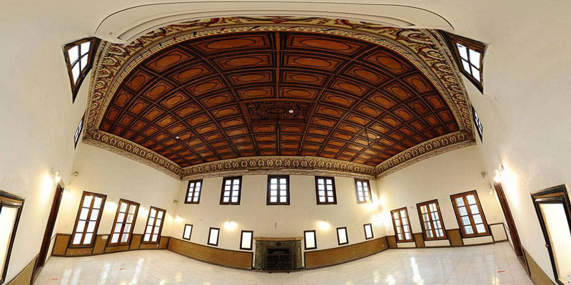 Panoramic image of the foyer of the property