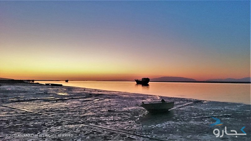 قایقها و غروب خورشید در جزیره قشم