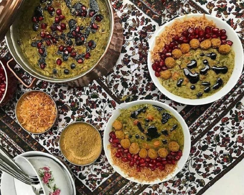 تهیهآش انار شیراز